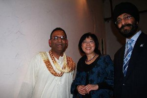 National MPs Pansy Wong and Kanwaljit Bakshi with Dhiru Patel on their way to the Arati