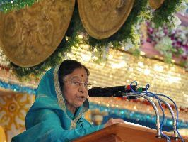 Indian President Pratibha Patil speaks at the birthday celebrations of Satya Sai Baba