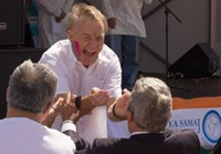 Phill Goff playing Holi with the other dignitaries