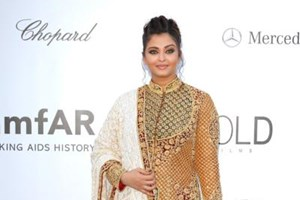 Aishwarya Rai Bachchan at the amFAR dinner