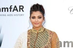 Aishwarya Rai Bachchan at the amFAR dinner