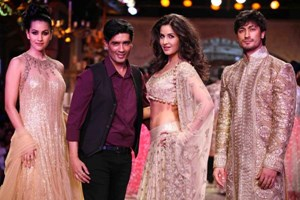 Katrina sizzles at the Delhi Couture Week