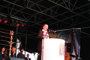 Prime Minister John Key inaugurates the Diwali 2009 celebrations in Auckland