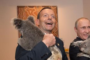 Russian President Vladimir Putin, a wildlife lover, cuddled a koala too. He picked up a koala bear in his arms, while Abbott held one in similar fashion backstage.